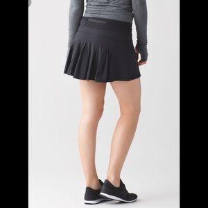 Lululemon Circuit breaker ruffle skirt skort-6Reg